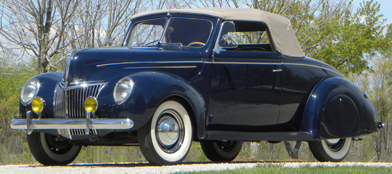 1939 Ford Deluxe Image 3