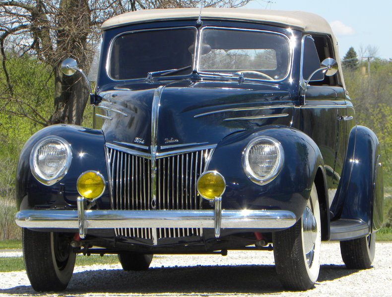 1939 Ford Deluxe Image 4