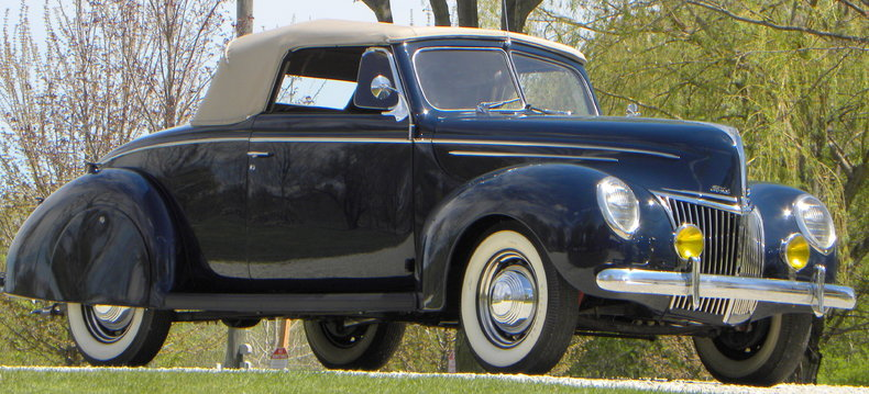 1939 Ford Deluxe Image 6