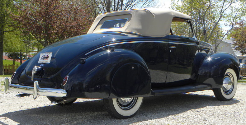 1939 Ford Deluxe Image 17