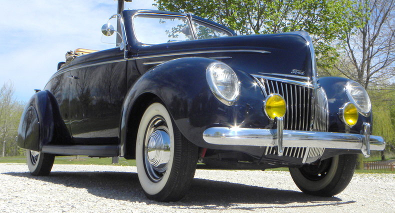 1939 Ford Deluxe Image 24