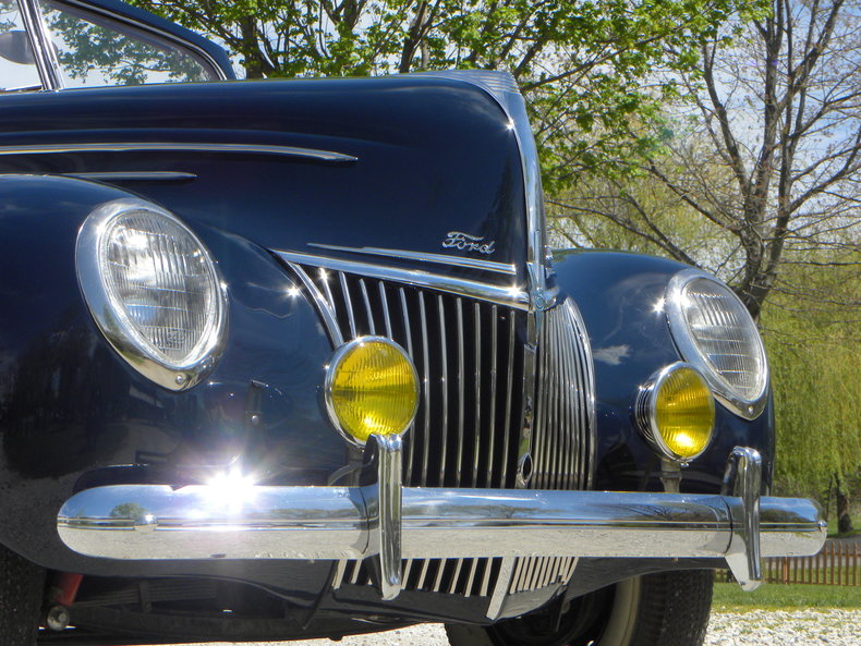 1939 Ford Deluxe Image 25