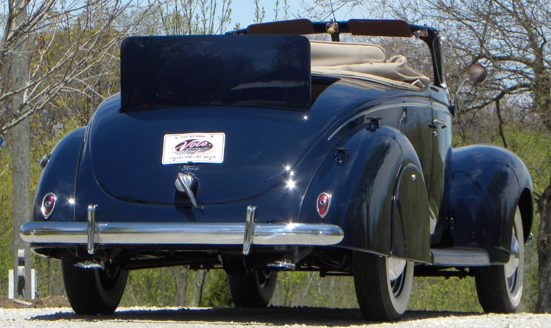 1939 Ford Deluxe Image 33