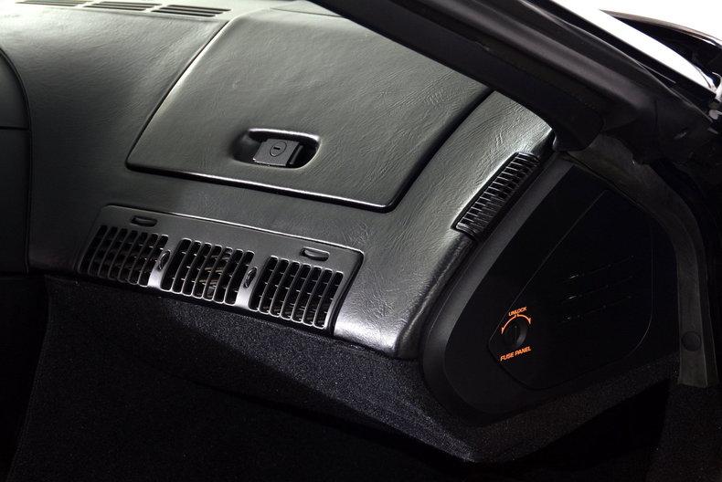1992 Chevrolet Corvette Image 37