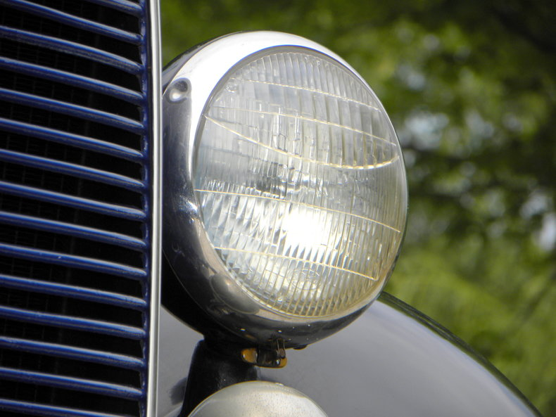 1937 Ford Model 73/77 Image 10