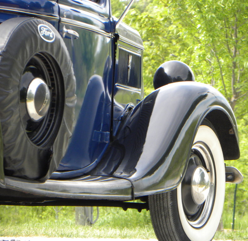 1937 Ford Model 73/77 Image 19