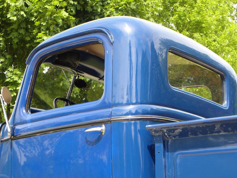 1937 Ford Model 73/77 Image 28