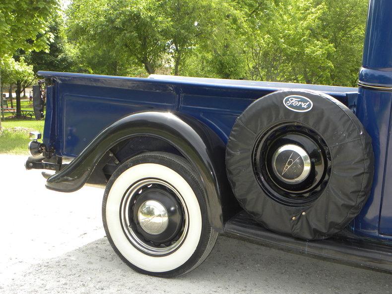1937 Ford Model 73/77 Image 33