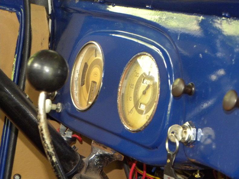 1937 Ford Model 73/77 Image 51