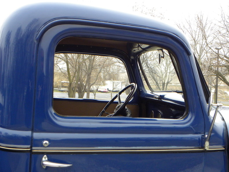 1937 Ford Model 73/77 Image 62