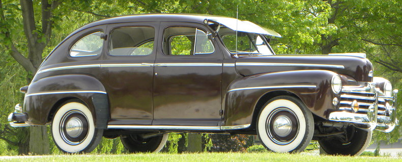 1948 Ford Deluxe Image 2
