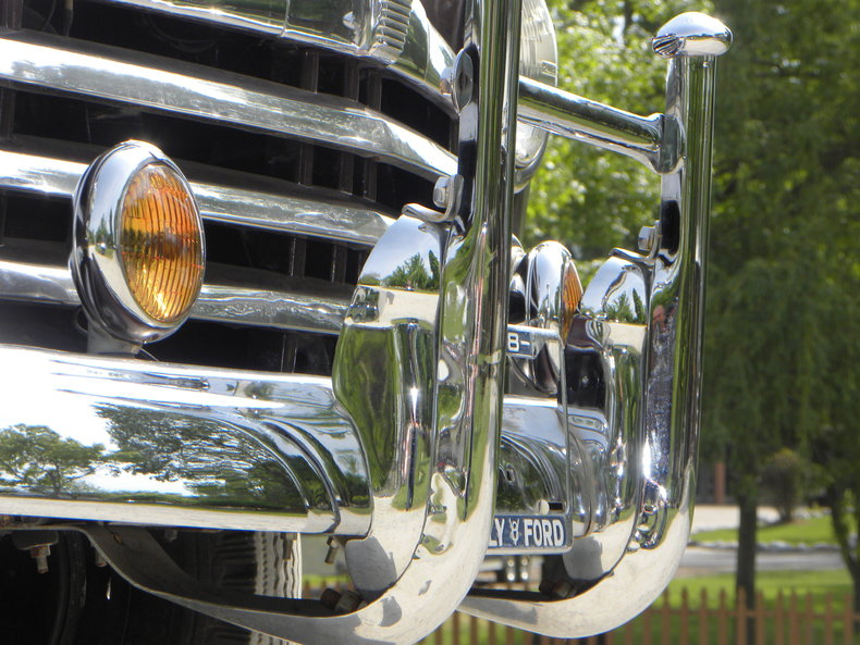 1948 Ford Deluxe Image 10