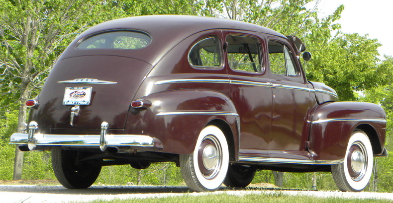 1948 Ford Deluxe Image 22