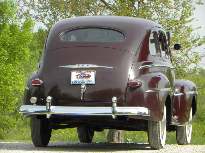 1948 Ford Deluxe Image 23