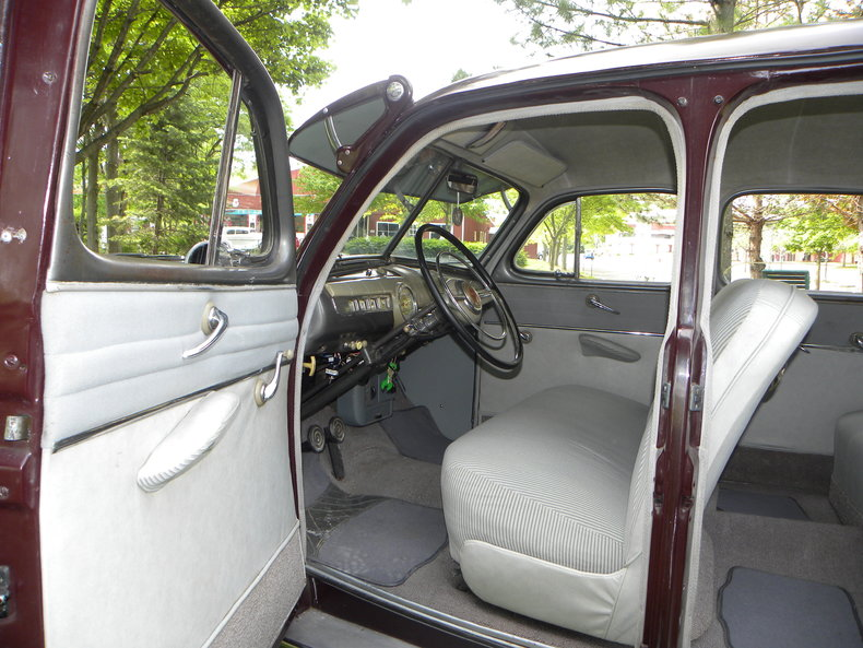 1948 Ford Deluxe Image 32