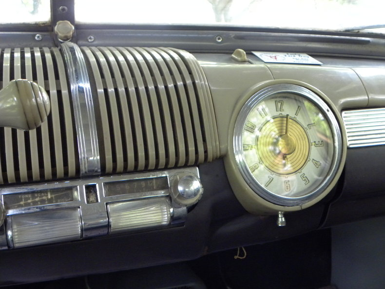 1948 Ford Deluxe Image 38