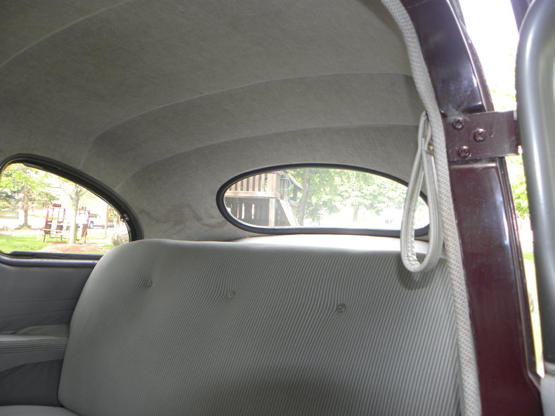1948 Ford Deluxe Image 46