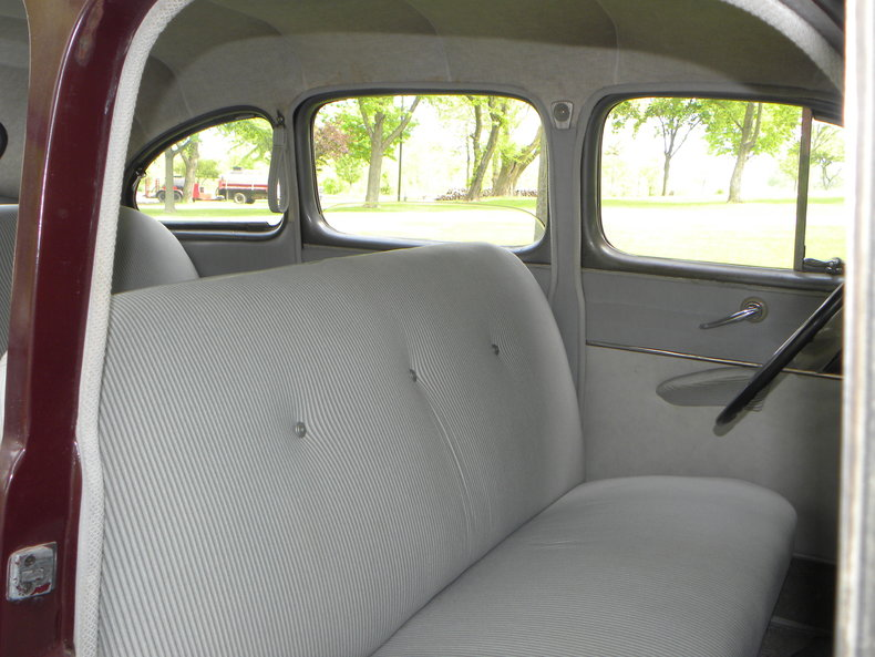 1948 Ford Deluxe Image 59