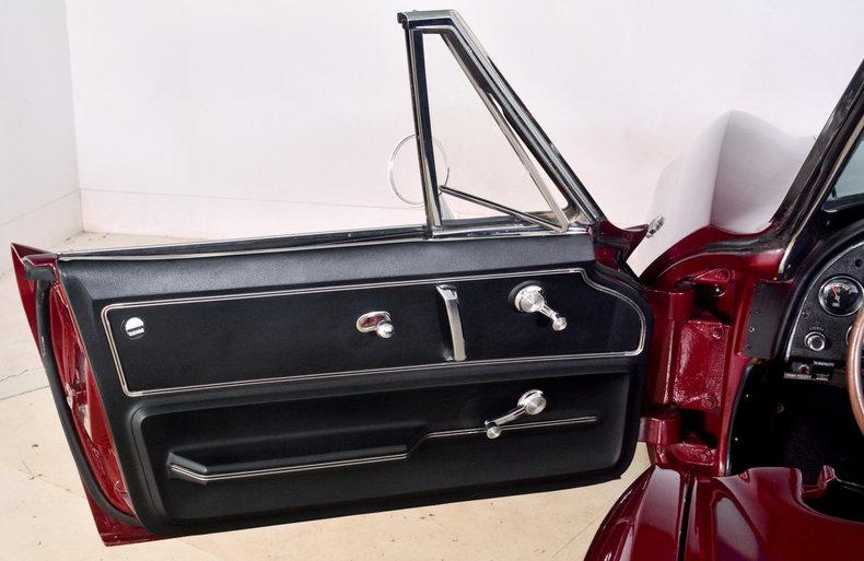 1966 Chevrolet Corvette Image 25