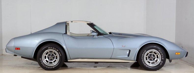 1977 Chevrolet Corvette Image 9