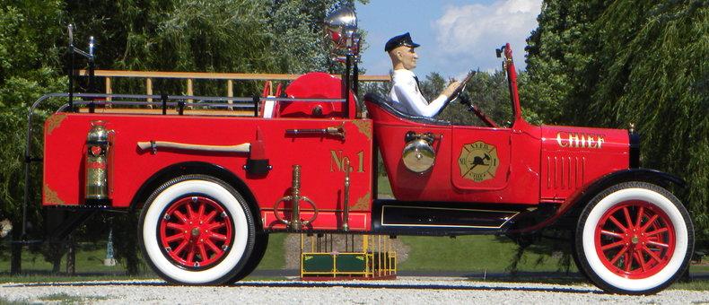 1919 Ford Model TT Image 8