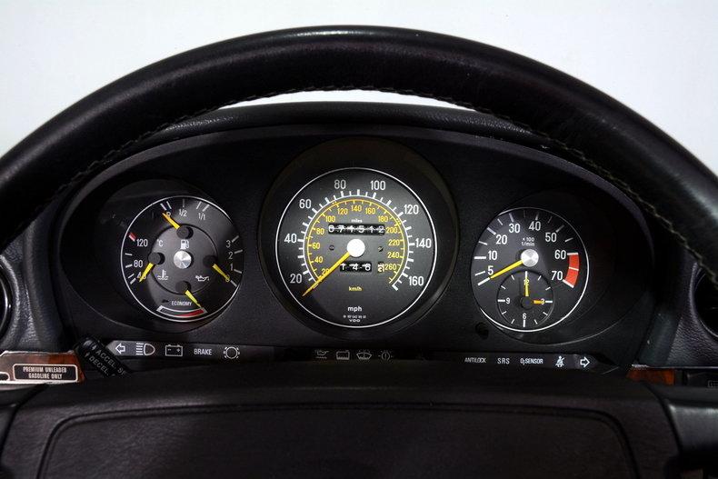1986 Mercedes-Benz 560SL Image 7