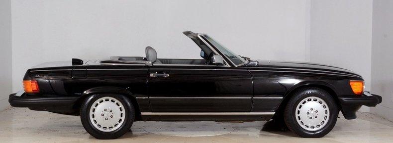 1986 Mercedes-Benz 560SL Image 17