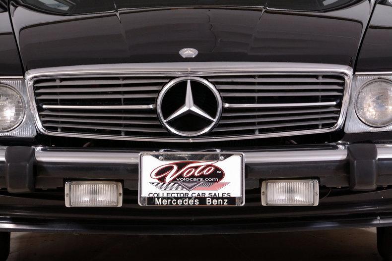 1986 Mercedes-Benz 560SL Image 28