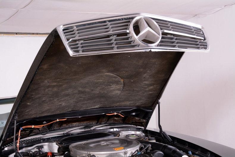 1986 Mercedes-Benz 560SL Image 55