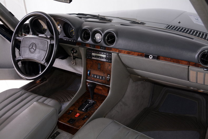 1986 Mercedes-Benz 560SL Image 61