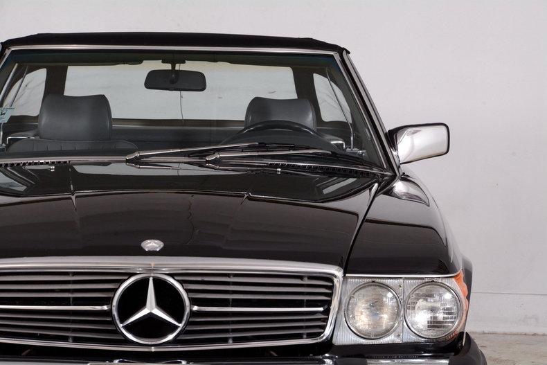 1986 Mercedes-Benz 560SL Image 65