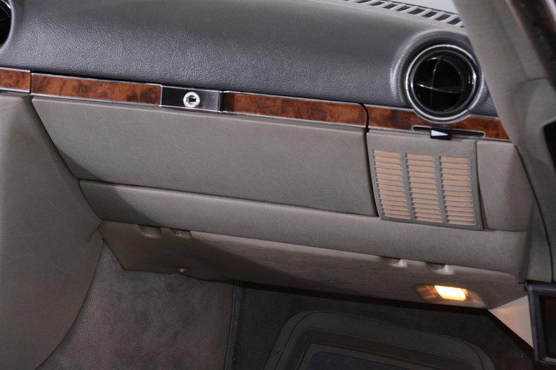 1986 Mercedes-Benz 560SL Image 72