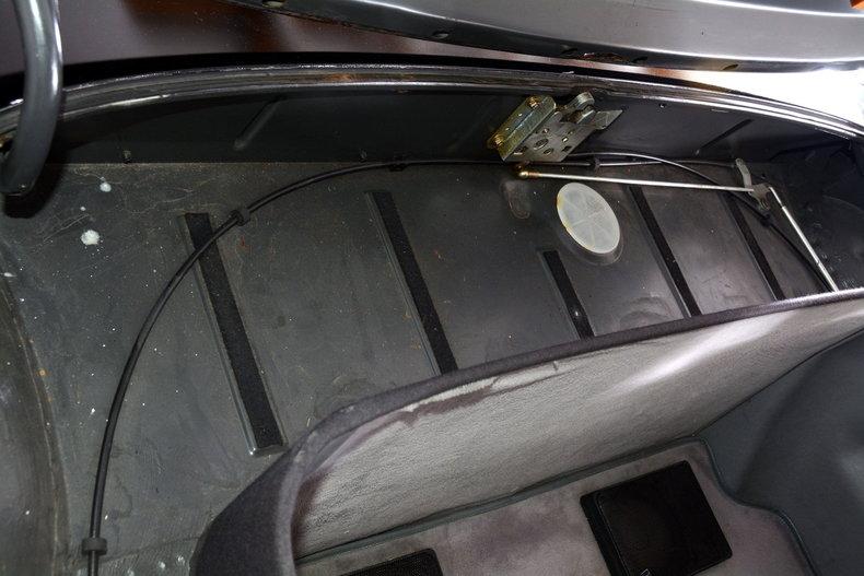 1986 Mercedes-Benz 560SL Image 85