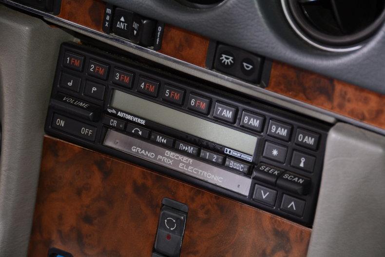 1986 Mercedes-Benz 560SL Image 89