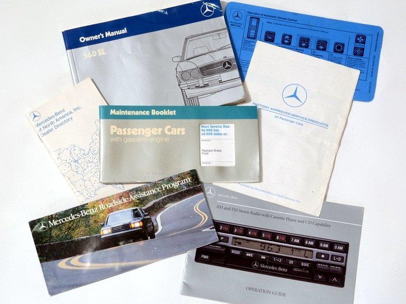 1986 Mercedes-Benz 560SL Image 96