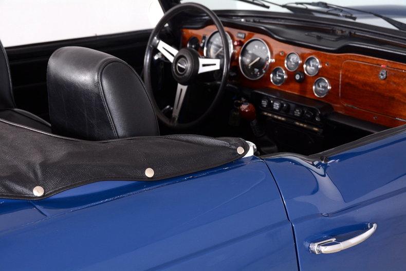 1976 Triumph TR6 Image 23