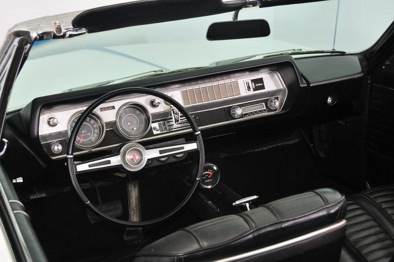 1966 Oldsmobile Cutlass Image 2