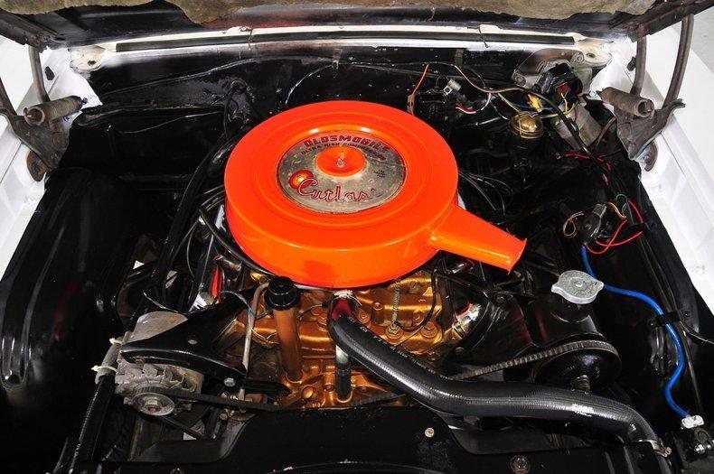 1966 Oldsmobile Cutlass Image 4