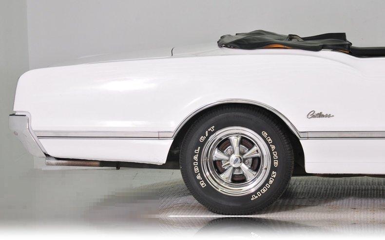 1966 Oldsmobile Cutlass Image 9