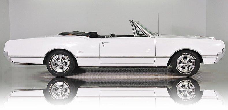1966 Oldsmobile Cutlass Image 10