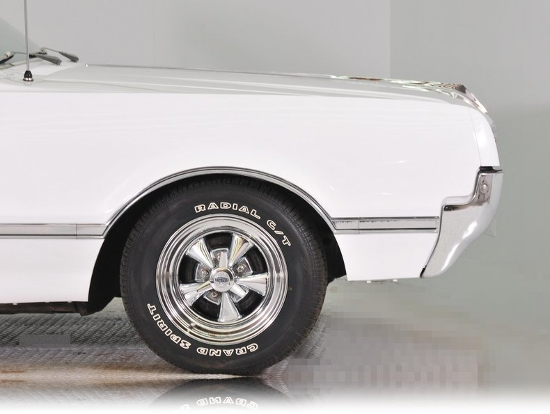 1966 Oldsmobile Cutlass Image 11