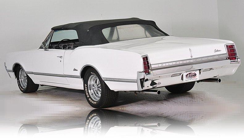 1966 Oldsmobile Cutlass Image 15
