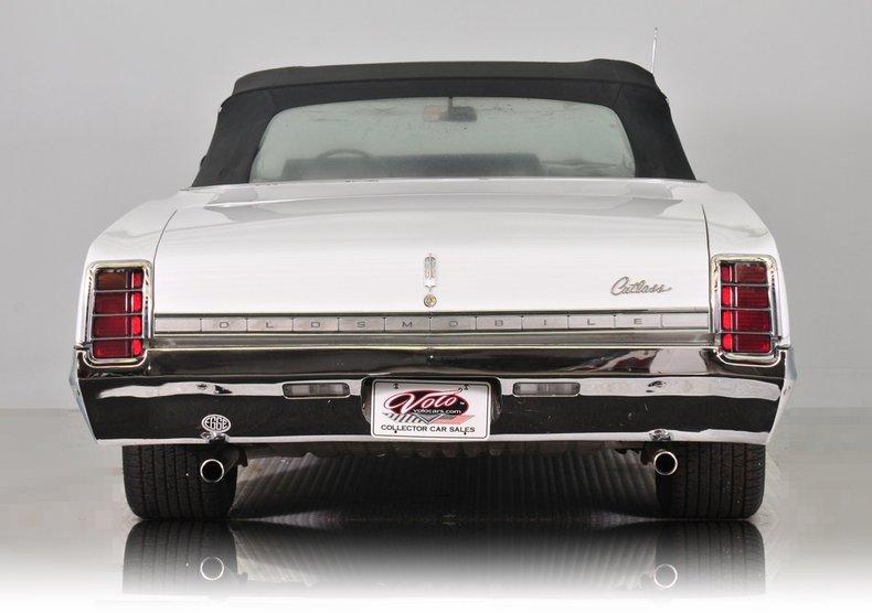 1966 Oldsmobile Cutlass Image 16