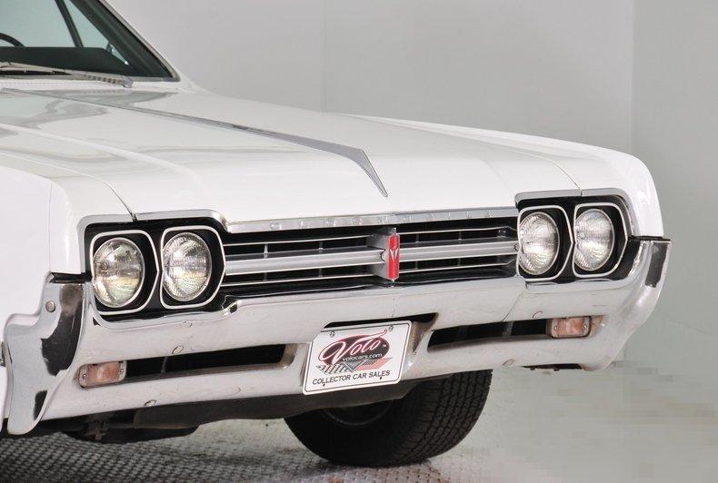 1966 Oldsmobile Cutlass Image 17