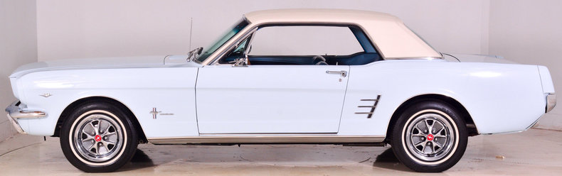 1966 Ford Mustang Image 23