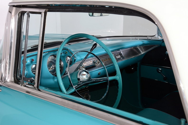 1957 Chevrolet Nomad Image 32