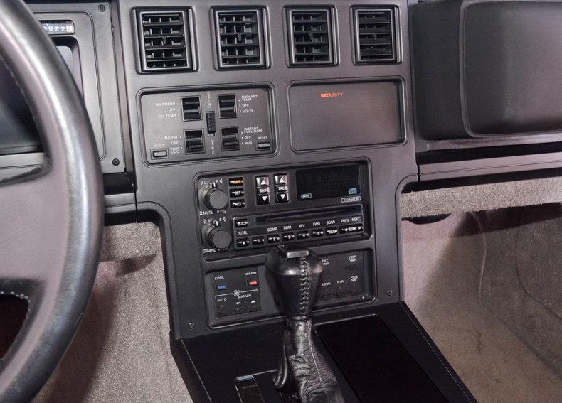 1989 Chevrolet Corvette Image 28