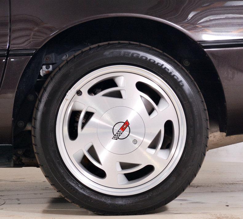 1989 Chevrolet Corvette Image 32