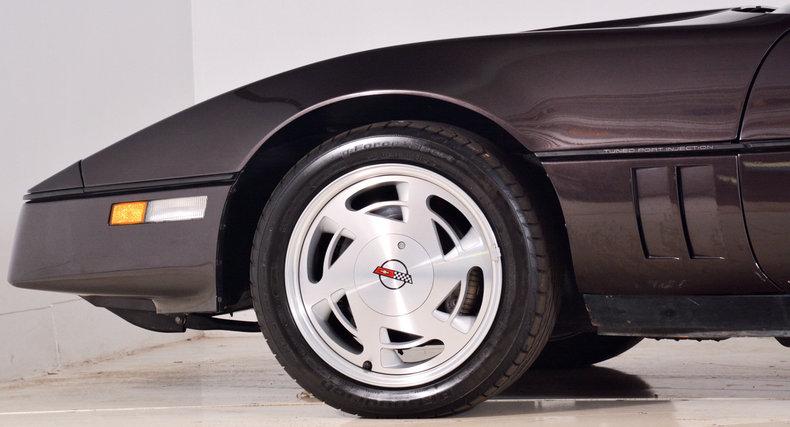 1989 Chevrolet Corvette Image 17
