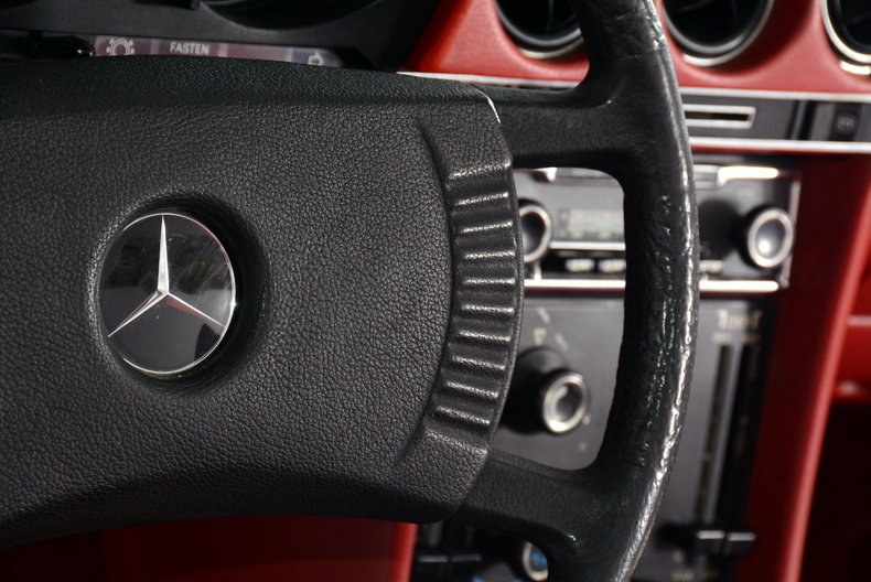 1976 Mercedes-Benz 450SL Image 22